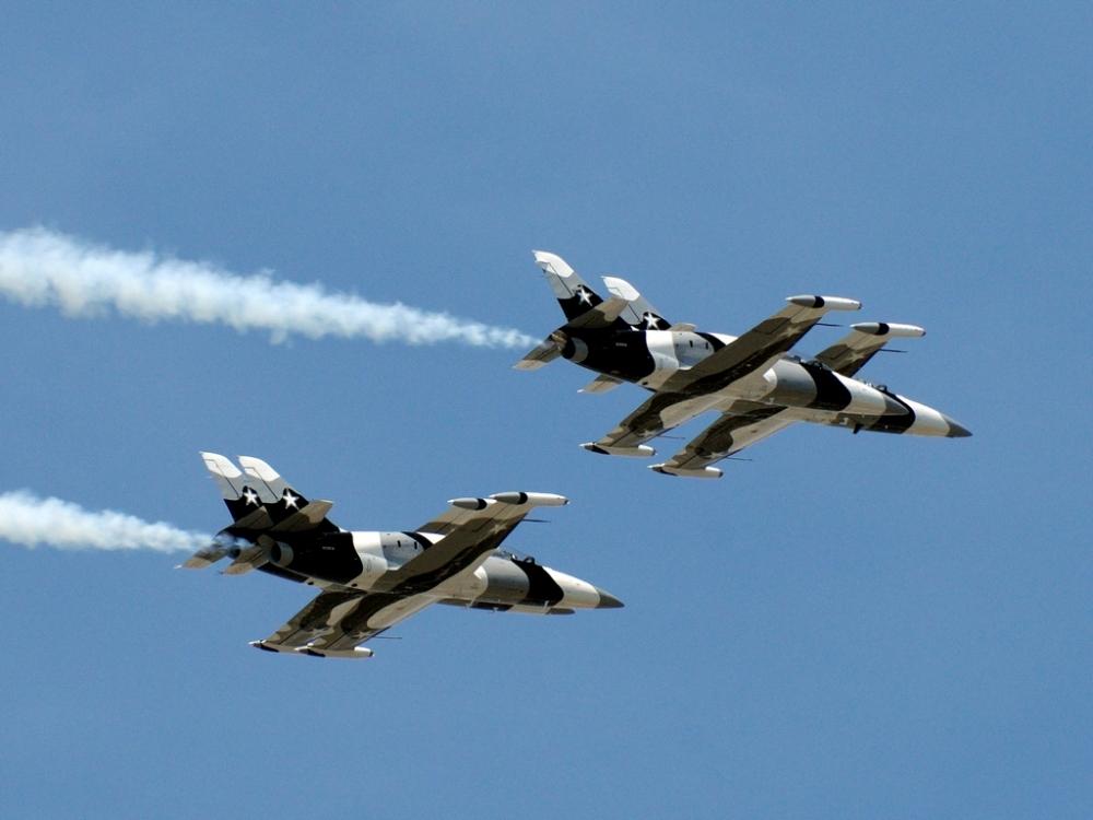 Heavy Metal Jet Team - Florida International Airshow (1/4)