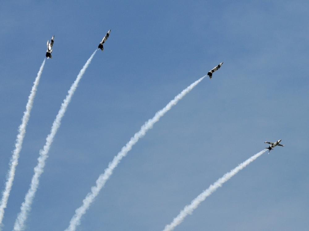 Heavy Metal Jet Team - Florida International Airshow (2/4)